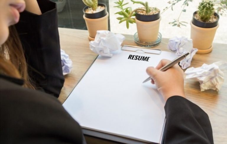 Nine deadly mistakes in writing Resume